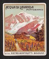"""07672 """"ACQUA DI LAVANDA MONTEBIANCO - DITTA P. BORTOLOTTI - BOLOGNA - 1910 CIRCA - PAESAGGIO"""" ETICHETTA  ORIGINALE - Etichette"""