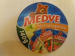 Cheese Queso Kase Label Etikette Etiqueta Hungary Medve Valogatas Selection Salami Paprika Cream BOX - Quesos