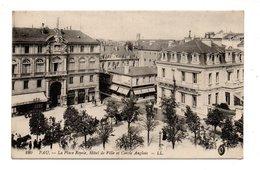 64 - PAU . LA PLACE ROYALE, HÔTEL DE VILLE ET CERCLE ANGLAIS - Réf. N°9591 - - Pau