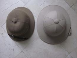 2 CASQUES COLONIAUX RAMENES DU VIETNAM IL Y A QQ ANNEES - Headpieces, Headdresses