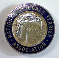 03072 SPILLA PIN BADGE CINOFILIA NATIONAL AIREDALE TERRIER ASSOCIATION - United Kingdom