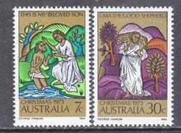AUSTRALIA  582-3  **  CHRISTMAS - 1966-79 Elizabeth II