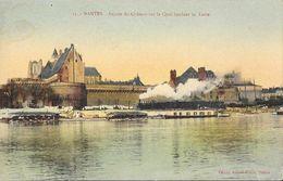 Nantes - Façade Du Château Sur Le Quai Bordant La Loire, Train - Edition Artaud Et Nozais - Carte Colorisée N° 13 - Nantes