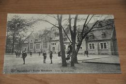 1277-  Maredsous- Ecole Abbatiale  - Animée - Anhée