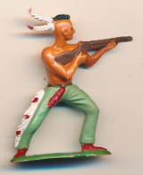 Figurine STARLUX (France) : Indien épaulant Et Tirant Avec Se Carabine, Far-West (2 Scans) - Starlux