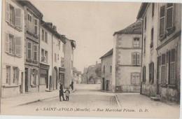 CPA 57 SAINT AVOLD Rue Maréchal Pétain - Saint-Avold