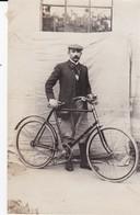 """Photographie Morbihan Pontivy Noyal """" Homme A Bicyclette """" Dimension 13 X 20 Cm - Lieux"""