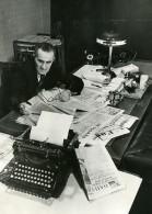URSS Moscou Vicktorov Journaliste Du Journal La Pravda Machine A Ecrire Ancienne Photo 1947 - Other