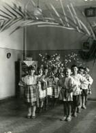URSS Moscou Nurserie Du Journal La Pravda Enfants Theatre Ancienne Photo 1947 - Photographs