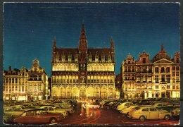 CP   Bruxelles   ---   Maison Du Roi Et Grand Place La Nuit  --  1966 - Bruxelles La Nuit