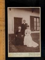 Photographie Cabinet : Couple Mariés Et Belle Mère / Photographe G DOUTHWAITE Et Fils à PONT AUDEMER Eure - Photos