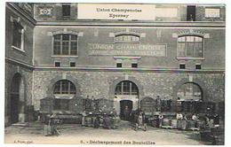 EPERNAY UNION CHAMPENOISE  DECHARGEMENT DES BOUTEILLES   ****  RARE   A  SAISIR  **** - Epernay
