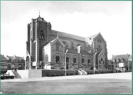 ! - Belgique - Hoeilaart - Kerk En Gemeenteplaats (Eglise Et Place Communale) - Hoeilaart