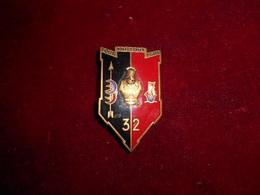 INSIGNE  32 BAT DU TRAIN  FAB DP NICE ROMAINVILLE - Armée De Terre