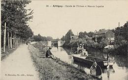 08. Attigny. Entée De L'Ecluse Et Maison Lapoise. Barge De Travail Sur Le Canal, Animation  - VR_B7_Att2 - Attigny