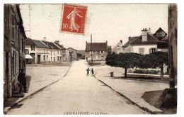 CHATEAUFORT (78) - La Place - Carte Colorisée - Sans éditeur - Autres Communes