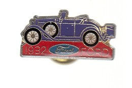 Pin's - VOITURE VIOLETTE - FORD 1932 - Ford
