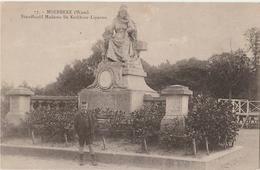MOERBEKE WAAS Standbeeld Madame De Kerckhove - Lippens - Moerbeke-Waas