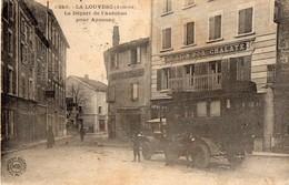 LA  LOUVESC   -  Depart De L'autobus Pour Annonay - La Louvesc