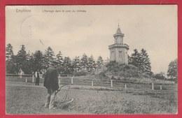 Emptinne - L'Horloge Dans Le Parc Du Château ... Personnages ( Voir Verso ) - Hamois