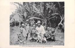 Afrique-( ETHIOPIE-Ethiopia ?)  Petits Gouraghés Païens Entournat Le Missionaire (Mission MISSIONS)*PRIX FIXE - Etiopía