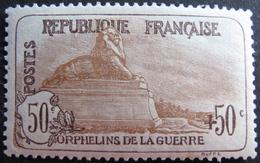 LOT R1752/310 - 1917 - AU PROFIT DES ORPHELINS DE LA GUERRE - N°153 NEUF* - BON CENTRAGE - Cote : 300,00 € - France