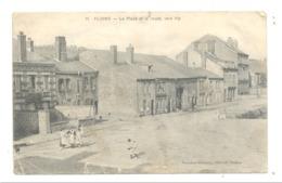 FLOING ( Sedan ) La Place Et La Route Vers Illy - ETAT MOYEN En Attendant Mieux - Guerre 14/18 (nod1) - Sedan