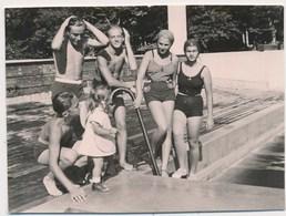 REAL PHOTO Ancienne Swimsuit  Kids Boys Girls On Pool Beach Enfants Fillettes Garcons Sur Piscine Plage Old Orig - Photos