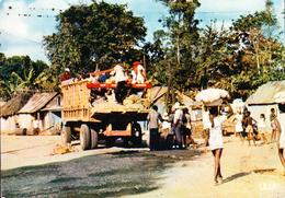 HAÏTI - Camion De Transport Entre Le Cap Haïtien Et Port Au Prince - CPM Couleur Signée IRIS - Haïti
