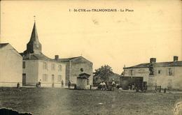 N°716 RRR GG SAINT CYR EN TALMONDAIS  LA PLACE CARTE ABIMEE COIN BAS GAUCHE - Autres Communes