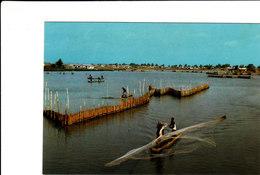 PECHEURS SUR LA LAGUNE BELLE CPSM 15X10.5 ANIMEE BON ETAT VOIR SCANS - Benin