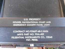 USAF HOLDER NAVIGATIONAL CHART & EMERCENCY COCKPIT PANEL LIGHT - Equipement