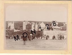 ARROMANCHES 18 AOUT 1895-PHOTO D'ORIGINE 16,5x12 Cms COLLEE SUR CARTON - Old (before 1900)