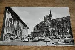 3266- Köln, Bahnhof, Dom / Autos - Koeln