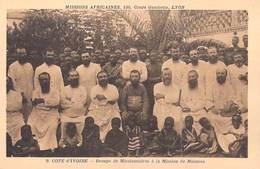 Afrique- Côte-d'Ivoire Groupe De Missionnaires à La Mission De Moousso -Missions Africaines Lyon ( Religion Lescuyer 9) - Côte-d'Ivoire