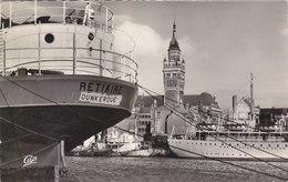 "DUNKERQUE:CPSM.P.F. CRANTEE DE 1959 . LE PORT ET HOTEL DE VILLE .CARGO ""RETIAIRE"".N°214.B. ETAT.PETIT PRIX.COMPAREZ!!! - Dunkerque"