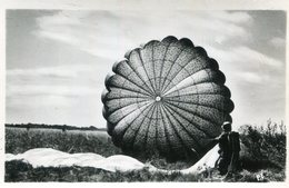 PARACHUTISME(PHOTO) GERS??? - Parachutisme