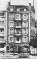 Panhard PI 17 ( Devant  L ' Hotel  De L' étoile  Avenue De L' Union- Sovietique A Clermont - Ferrand ) - Voitures De Tourisme