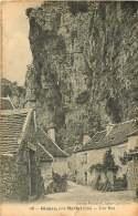 300418 - 46 GLUGES Près Martel - Une Rue - Autres Communes