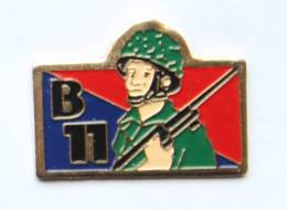Pin's Insigne CHAMBREE B11 Du 52° R.A - H114 - Armee
