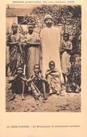 Afrique- Côte-d'Ivoire  Le Missionnaire Et Ses Premiers Chrétiens -Missions Africaines Lyon (Religion Lescuyer 18) - Côte-d'Ivoire