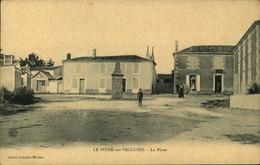 N°727 RRR GG LE POIRE SUR VELLUIRE LA PLACE - Poiré-sur-Vie
