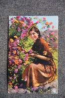 COTE D'AZUR - Femme Cueillant Les Roses. - Femmes