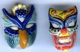 Lot De 2 FEVES MASQUE Les Masques Vénitiens Alcara 1996 - Charms