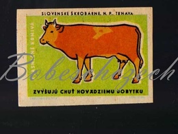 71-165 CZECHOSLOVAKIA 1959 Slovenske Skrobarne Trnava Feeds Increase The Taste Of Cows - Boites D'allumettes - Etiquettes