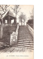 Le Faouet  Escalier Et Beffroi De Sainte Barbe  Morbihan - Le Faouet