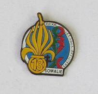 1 Pin's MILITAIRE - LES SOUS OFFICIERS Du 13e OPERATION ORYX SOMALIE - Militari