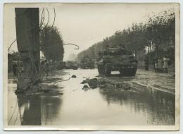 Libération Août 1944 . Blindés . Cliché J. Dortes, Le Perreux . - Guerre, Militaire