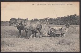 En Beauce - Une Moissonneuse-lieuse - Landbouw