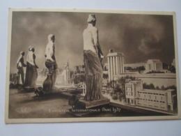 Exposition Internationale Paris 1937. Le Trocadero. Les Pavillons De L'Allemagne, De L'URSS Et Du Portugal. Hipault 65 - Expositions
